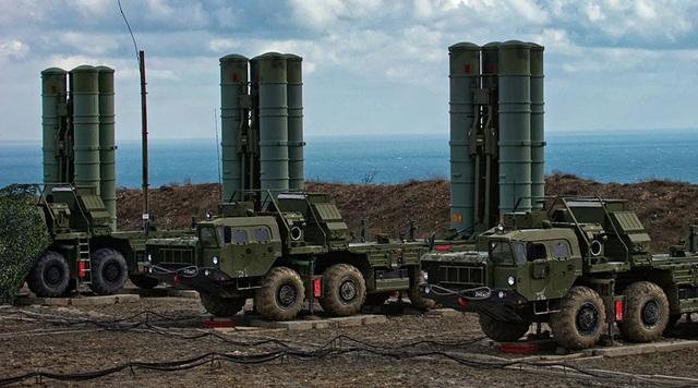 Hệ thống phòng thủ S-400 của Nga (Ảnh: RT)