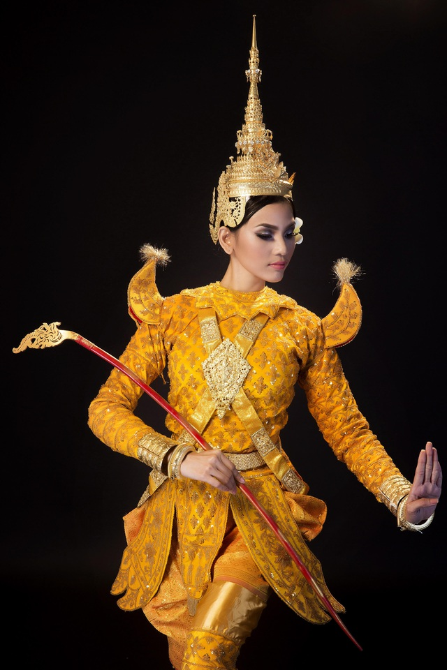 Lễ Sene Dolta bắt đầu từ ngày 16 đến cuối tháng 8 âm lịch hàng năm, với 4 nghi lễ chính tại Chùa và tại nhà người dân tộc Khmer