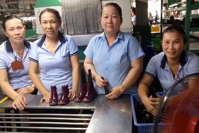 Công nhân lớn tuổi ở Cty TNHH Splendour, KCN Nhơn Trạch 1 (Đồng Nai). Ảnh do công nhân cung cấp