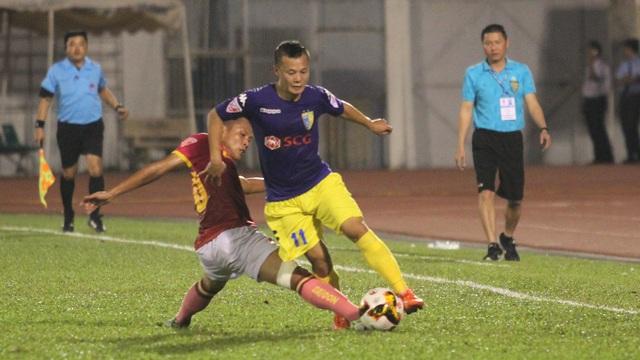 Hà Nội FC (áo xanh) không thể vượt qua Sài Gòn FC (ảnh: Trọng Vũ)