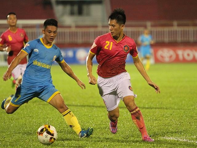 Lâm Ti Phông (trái) cũng có trận đấu mờ nhạt (ảnh: Trọng Vũ)