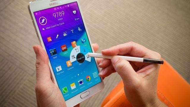 Dù đã ra mắt từ khá lâu, nhưng Galaxy Note4 cũ tân trang vẫn được ưa chuộng tại nhiều thị trường trên thế giới nhờ mức giá rẻ, hiệu năng cao.