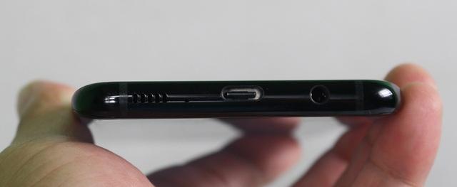 Đập hộp Galaxy S8+ chính hãng đầu tiên tại Việt Nam - 10