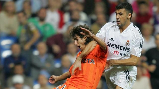 Walter Samuel có biệt danh Hòn đá tảng nhưng ở Real Madrid, anh lại quá dễ bị vượt qua. Việc Samuel liên tục mắc sai lầm khiến cho Real Madrid phải đẩy cầu thủ này trở lại Italia khoác áo Inter chỉ sau 1 mùa giải. Đáng mừng là sau đó, Walter Samuel đã chơi cực tốt ở Inter và là nhân vật quan trọng trong kỷ nguyên vàng của CLB.