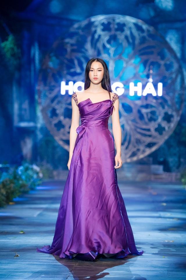 Mai Phương Thúy, Thủy Top tái xuất thưởng lãm BST Kim cương tím - 17