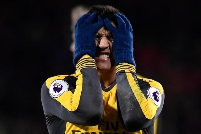 Nỗi đau giằng xé của Sanchez sau trận đấu với Bournemouth