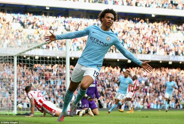 Sane góp một bàn trong chiến thắng đậm của Man City trước Stoke