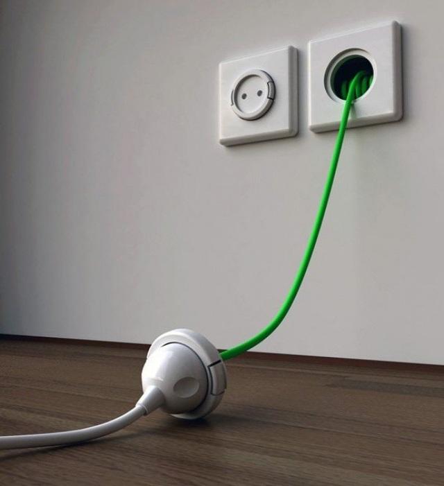 """Với chiếc ổ cắm có khả năng kéo dài và thu gọn hết sức linh hoạt này, không gian sống của bạn sẽ không còn """"bừa bộn"""" với mớ dây điện ngổn ngang nữa."""