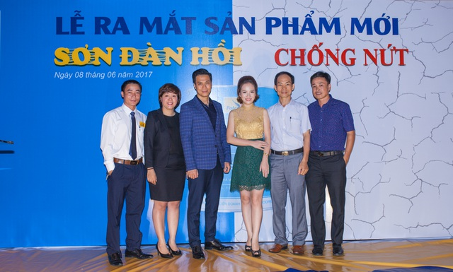 Việt Anh, Đan Lê bàn chuyện sơn nhà mới - 3