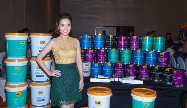 Việt Anh, Đan Lê bàn chuyện sơn nhà mới - 2