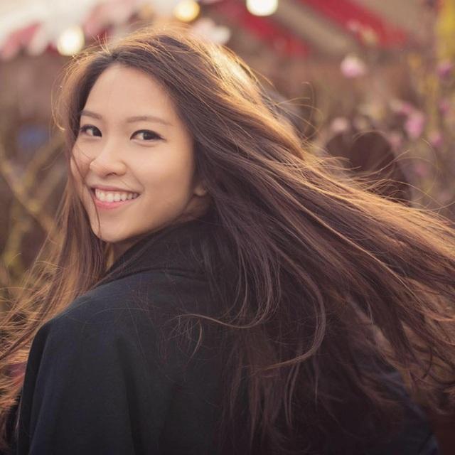 Việt Nam là nơi chôn nhau cắt rốn, nên dù ở đâu, nữ sinh xinh đẹp học giỏi gốc Đà Nẵng vẫn luôn hướng về và mong muốn được đóng góp sức mình trong tương lai.