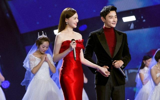 Fan ủng hộ chuyện tình của La Tấn và Đường Yên và thực sự chờ đợi một đám cưới thật hoành tráng và lãng mạn của cặp đôi trong năm 2017 này.