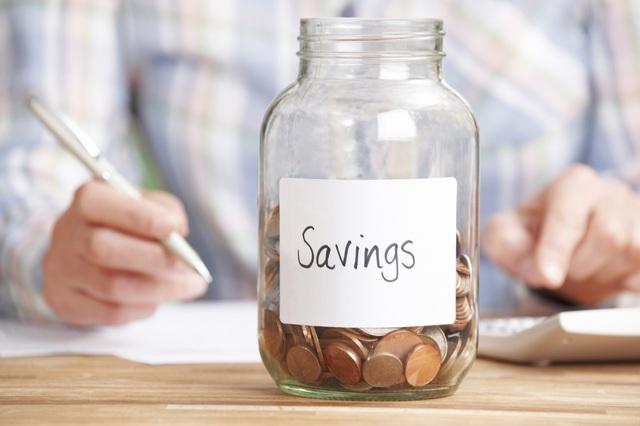 """Larry Winget: """"Chỉ có hai cách để cải thiện tình trạng tài chính bi đát của bạn: hoặc giảm chi tiêu hoặc tăng thu nhập"""". (ảnh minh họa)"""