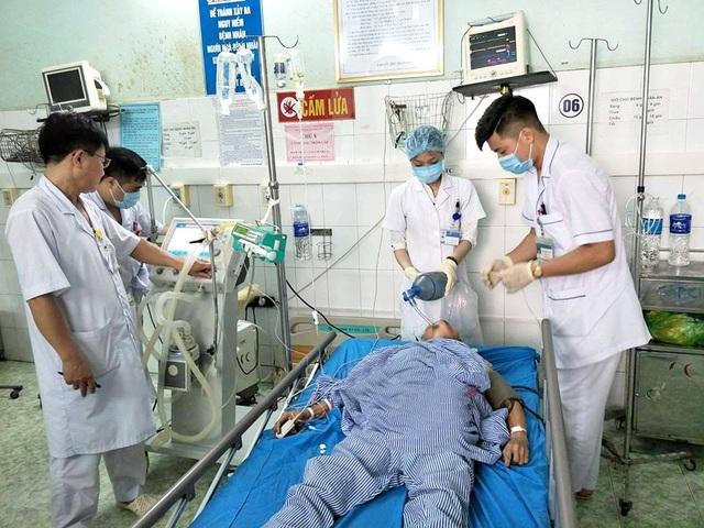 Bệnh nhân nhập viện trong tình trạng say nắng nặng, diễn biến ngày càng xấu, gia đình đã xin cho bệnh nhân về sáng 5/6. Ảnh: BS cung cấp.