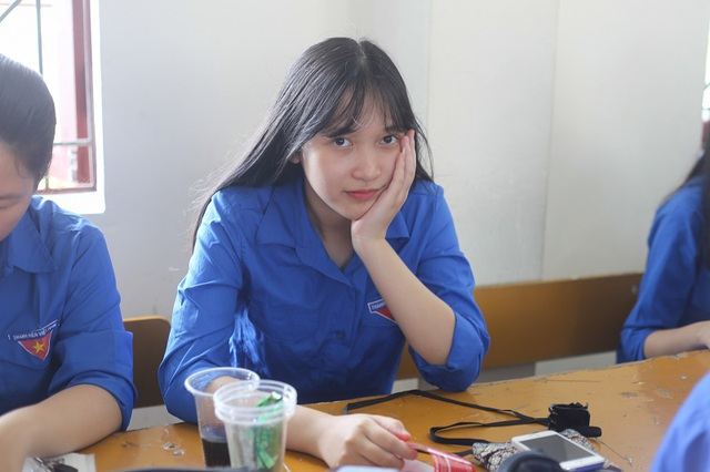 Lớp chuyên Anh Nghệ An toàn là nữ sinh xinh đẹp - 6