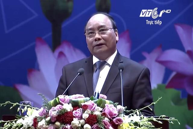Thủ tướng Nguyễn Xuân Phúc: Hỗ trợ, giải quyết khó khăn cho doanh nghiệp, phải chuyển từ lời nói thành hành động