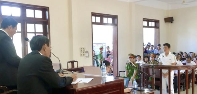 Bị cáo Phạm Văn Tân tại toà