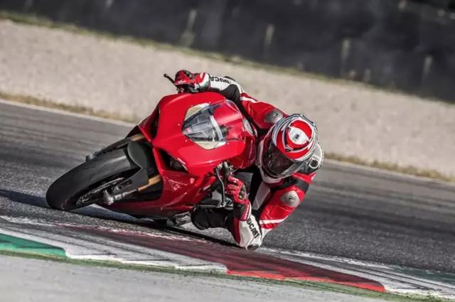 Động cơ V4 - Kỉ nguyên mới của Ducati? - 7