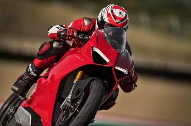Động cơ V4 - Kỉ nguyên mới của Ducati? - 10
