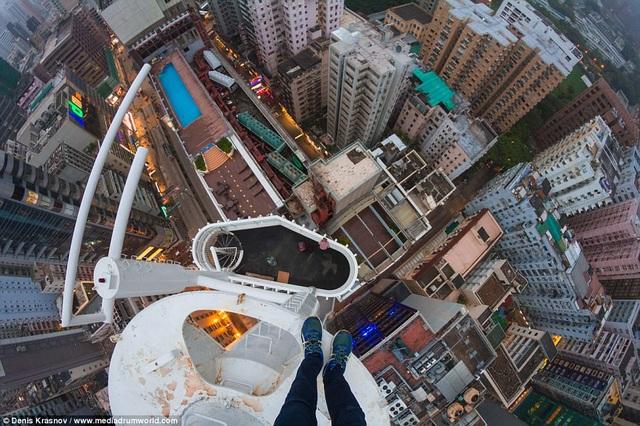 Nhiếp ảnh gia trẻ tuổi người Nga thích chinh phục độ cao của các tòa nhà