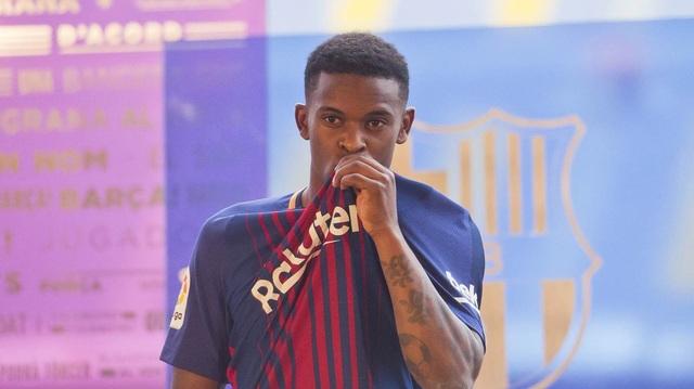 Nelson Semedo ra mắt Barcelona