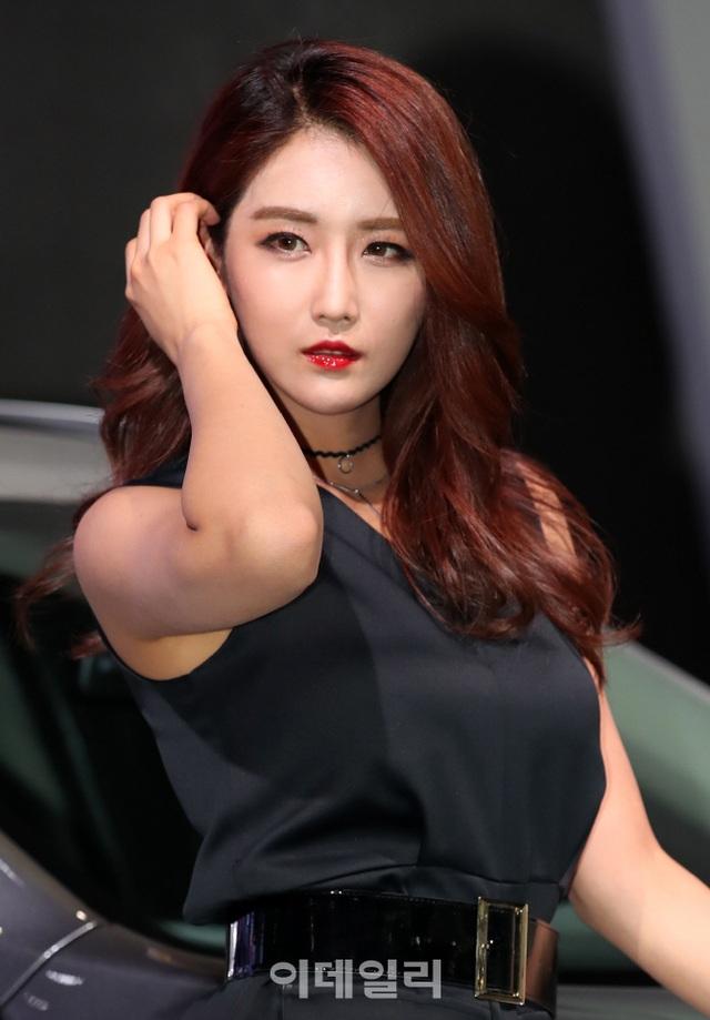 Yêu kiều mỹ nữ Hàn tại Triển lãm ô tô Seoul 2017 - 12