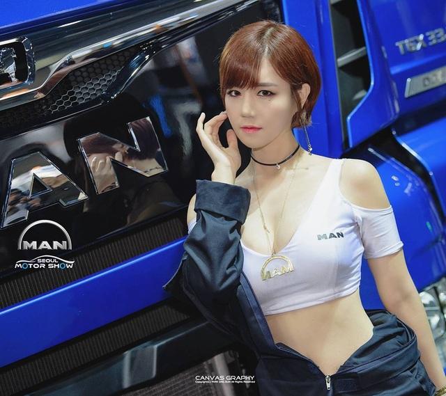 Yêu kiều mỹ nữ Hàn tại Triển lãm ô tô Seoul 2017 - 2