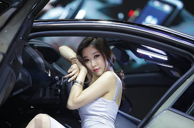 Yêu kiều mỹ nữ Hàn tại Triển lãm ô tô Seoul 2017 - 17