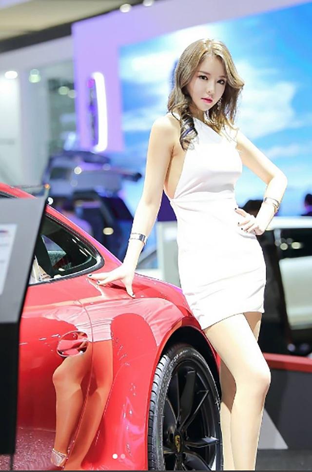 Yêu kiều mỹ nữ Hàn tại Triển lãm ô tô Seoul 2017 - 13