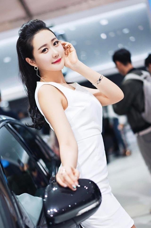 Yêu kiều mỹ nữ Hàn tại Triển lãm ô tô Seoul 2017 - 9