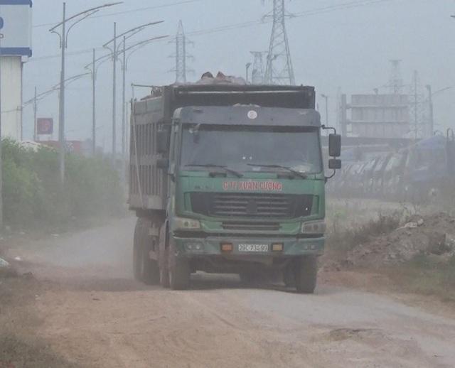 """Bắc Giang: Đường gom cao tốc """"hành"""" dân, nhà đầu tư cam kết khắc phục trước Tết nguyên đán - 4"""