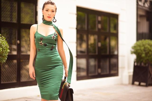 Nữ MC truyền hình biến hóa gợi cảm tựa tín đồ thời trang - 10