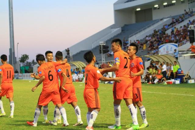 Lối chơi của SHB Đà Nẵng dưới thời HLV Huỳnh Đức quá phụ thuộc vào Merlo.