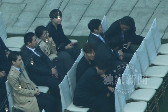 Khoảng 2 giờ 30 (giờ Việt Nam), hôn lễ giữa Song Hye Kyo và Song Joong Ki chính thức bắt đầu.
