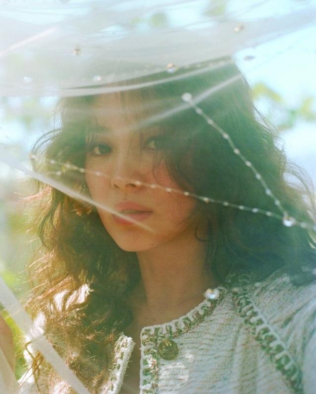"""""""Cô dâu tháng 10"""" Song Hye Kyo đẹp mơ màng trước ngày lên xe hoa - 9"""