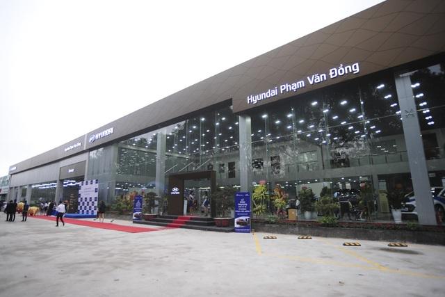 Showroom và xưởng dịch vụ Hyundai Phạm Văn Đồng có mặt tiền dài nhất trong hệ thống Hyundai Thành Công