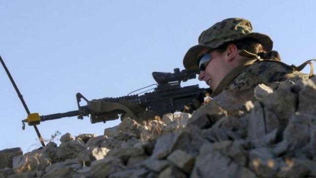 Nữ sĩ quan thủy quân lục chiến Mỹ (Ảnh: AFP)