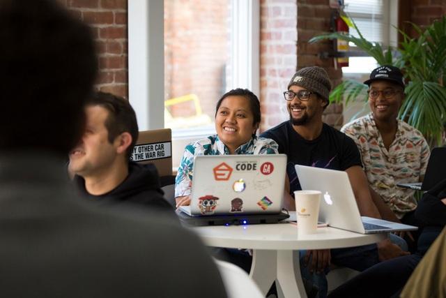 Tình trạng phân biệt đối xử với nữ giới và người da màu đang là vấn đề gây tranh cãi ở Silicon Valley.