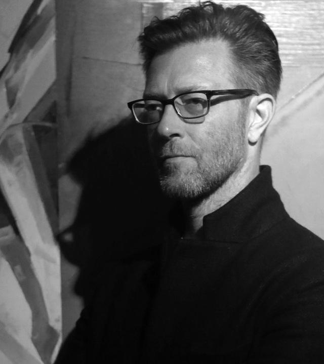 Nghệ sỹ Simon Birch người Anh từng chiến đấu không ngừng nghỉ với căn bệnh ung thư. Sau đó, anh dốc toàn bộ trí lực và tiền bạc để tổ chức buổi triển lãm của riêng mình.