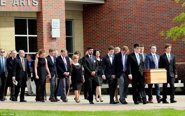 Theo Dailymal, ước tính khoảng 2.500 người đã tới dự lễ tang của sinh viên Otto Warmbier. (Ảnh: Reuters)