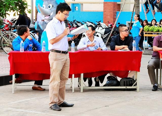 Chủ tịch hội sinh viên trường ĐH Công nghiệp Thực phẩm TPHCM trong lễ phát động chương trình tìm kiếm ý khởi nghiệp mang chủ đề Sáng tạo cho nông sản Việt