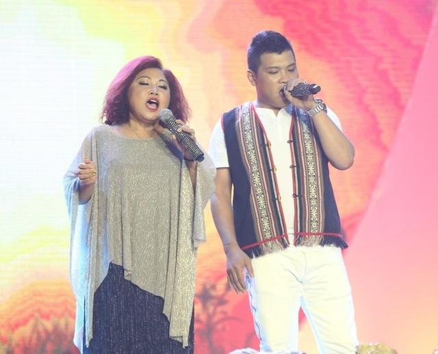 Ca sĩ Siu Black và con trai Siu Mạnh - kết quả tình yêu cùng chồng cũ
