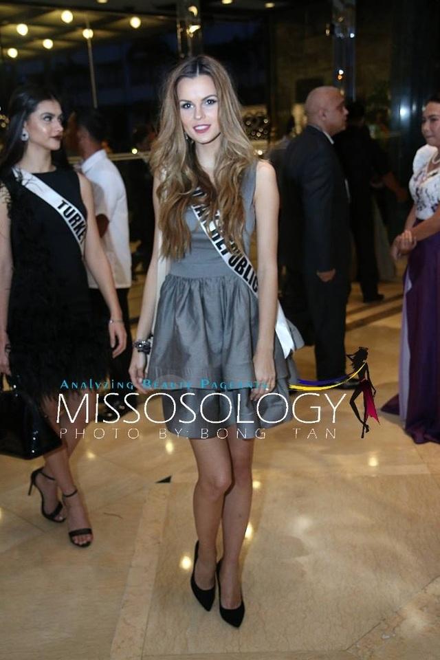 Lệ Hằng và các mỹ nhân khoe sắc trong tiệc tri ân Hoa hậu hoàn vũ 2015 - 16