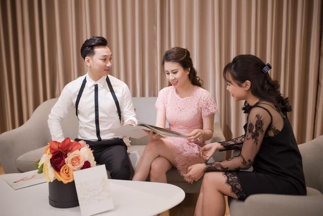MC Thành Trung đưa vợ 9x đi chọn váy cưới - 2