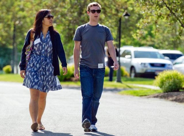 """Những sở thích """"bình dân"""" của ông chủ Facebook - 1"""