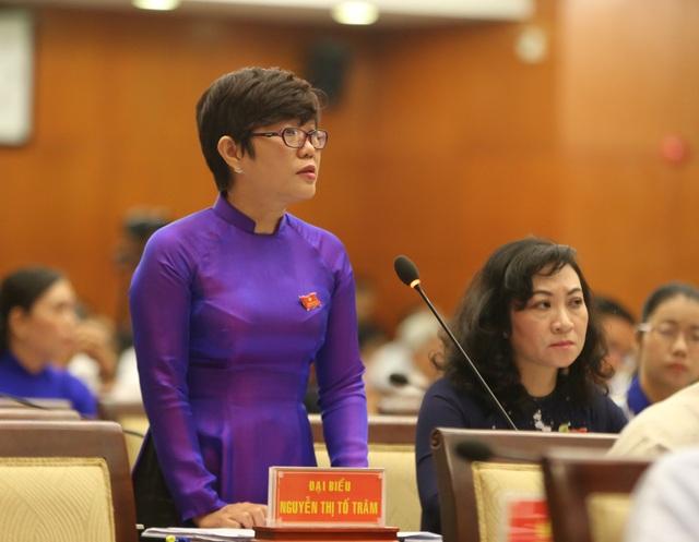 Đại biểu Nguyễn Thị Tố Trâm đặt nhiều câu hỏi về bạo hành trẻ tại các cơ sở mầm non ở TPHCM