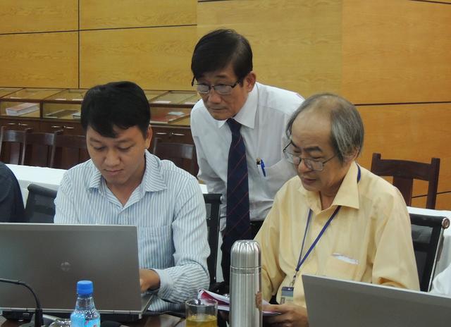 Lãnh đạo Sở GD-ĐT TPHCM trả lời trực tuyến những thắc mắc của học sinh về kỳ thi THPT Quốc gia
