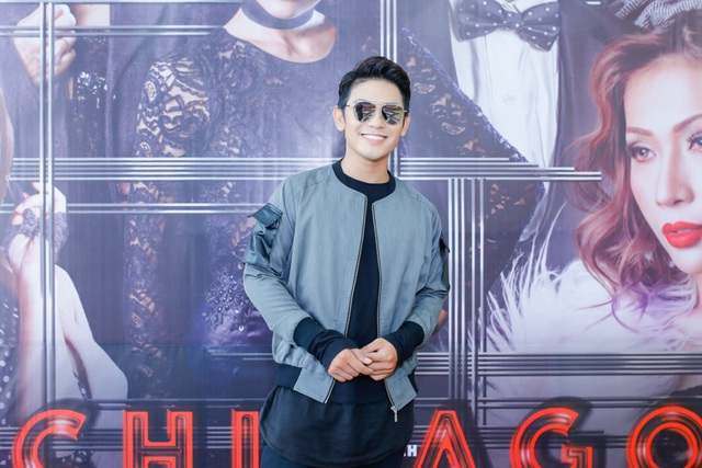 Ca sĩ Sơn Ngọc Minh cá tính xuất hiện trong chương trình cùng nhiều sao Việt khác.