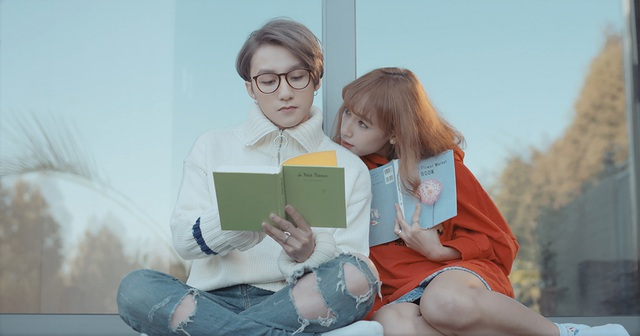 Câu chuyện trong MV đặc tả lại những cảm xúc bình dị nhất của một cặp đôi yêu nhau.