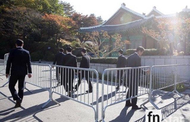 Song Hye Kyo và Song Joong Ki không mời phóng viên tác nghiệp tại sự kiện này.